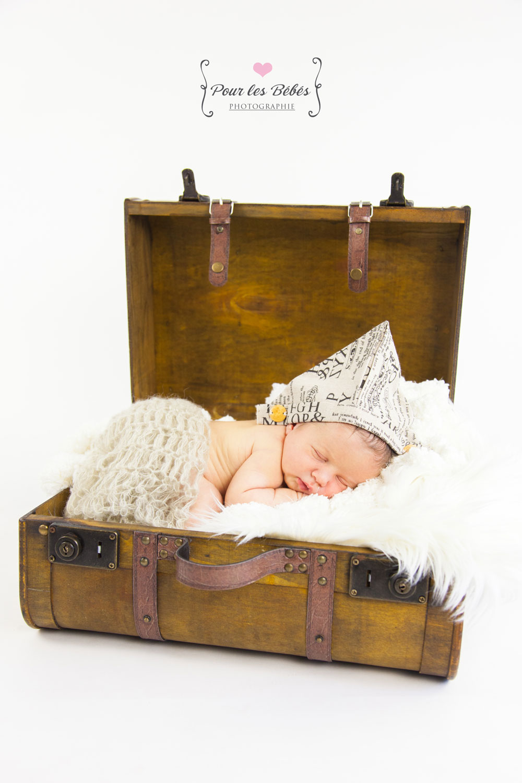 photographe-studio-nouveau-né-famille-enfance-bébé-nourrisson-grossesse-montpellier-nimes-lunel-mauguio-sommières-252