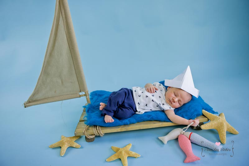 photo-bebe-mer-poisson-studio-pourlesbebesphotgraphie