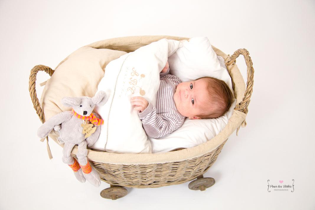 photographe-studio-nouveau-né-famille-enfance-bébé-nourrisson-grossesse-montpellier-nimes-lunel-mauguio-sommières-28