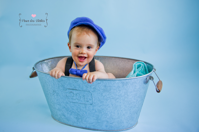 photo-enfant-montpellier-studio-fond-bleu-herault-gard