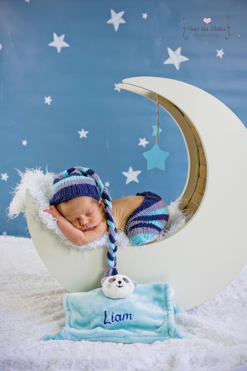 seance-nouveau-ne-bebe-montpellier-lune-accessoire-etoile
